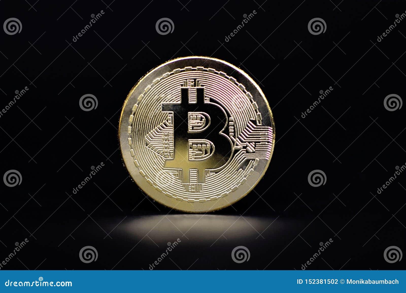 Физический золотой представитель монетки Bitcoin для виртуальной валюты
