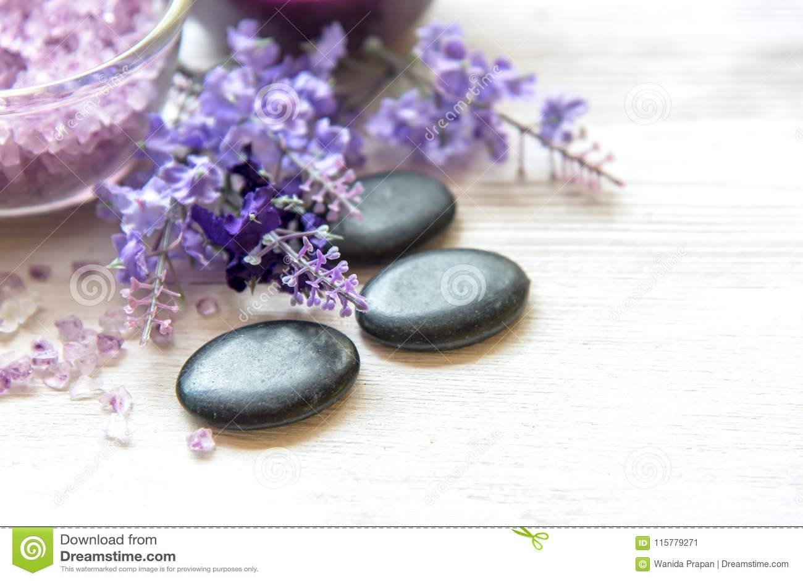 Фиолетовый курорт ароматерапии лаванды с солью и обработка для тела Тайский курорт ослабляет массаж