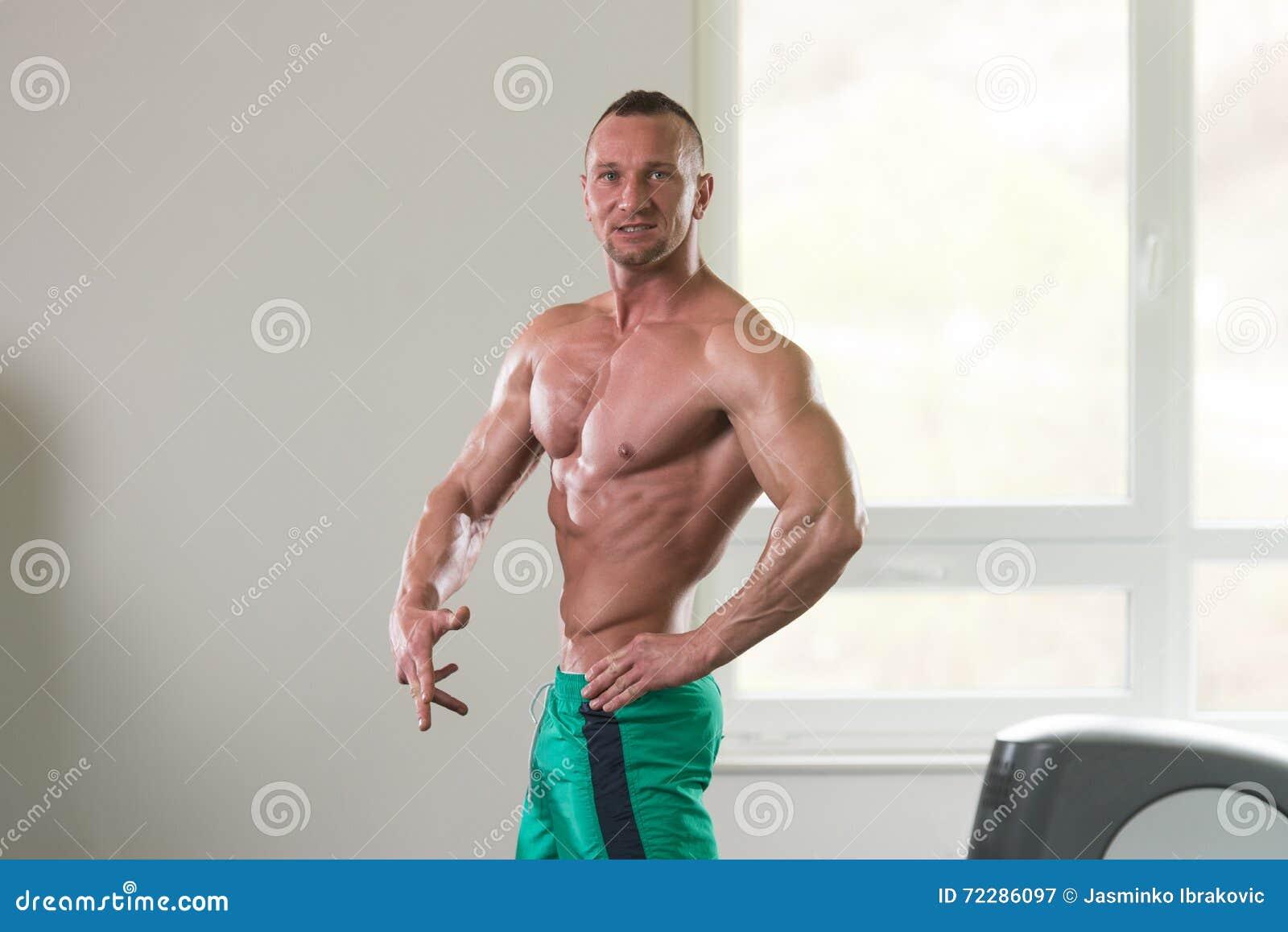 Download Фитнес здоровья людей стоковое изображение. изображение насчитывающей волосы - 72286097