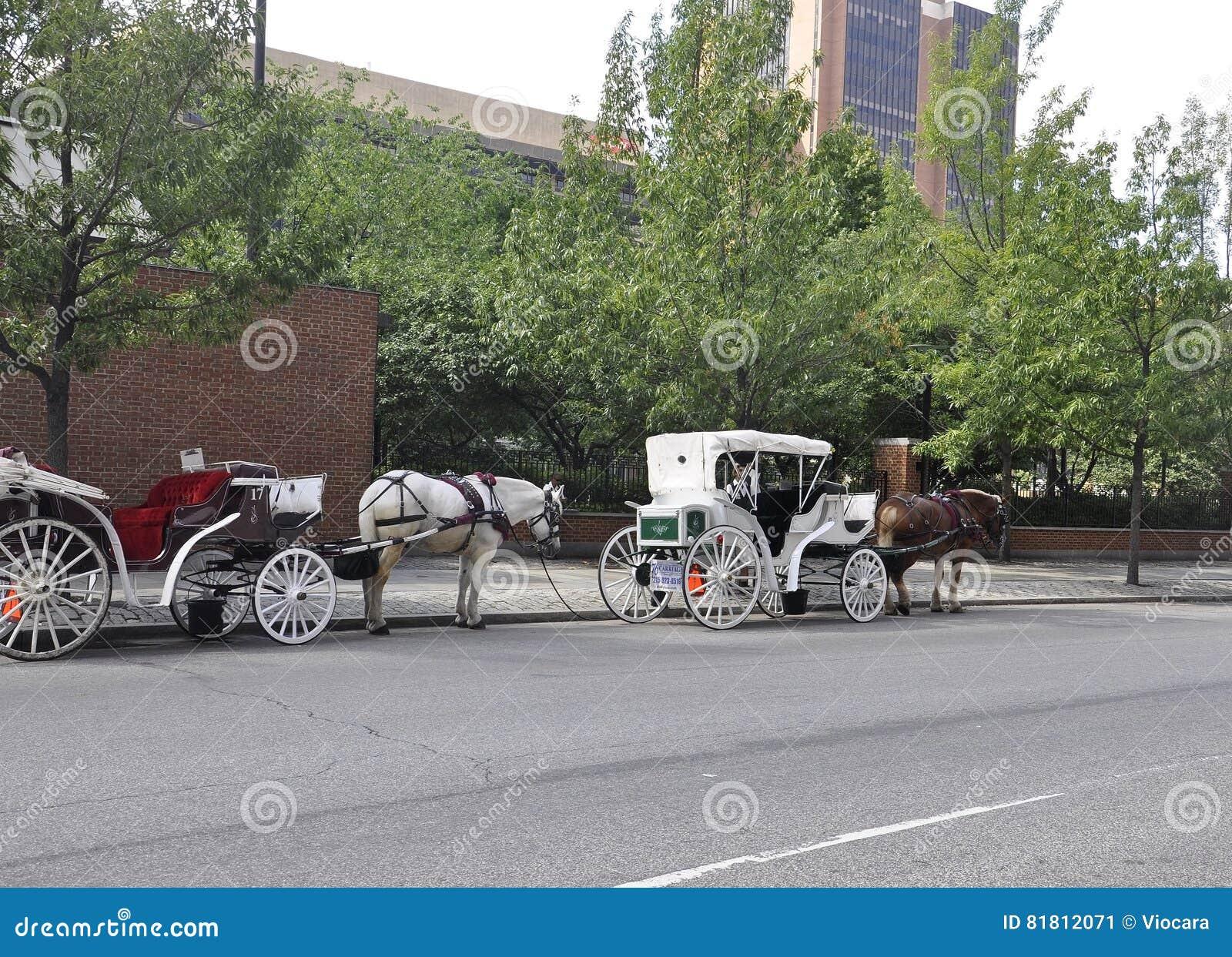 Филадельфия, 4-ое августа: Путешествие экипажа в старом городе Филадельфии в Пенсильвании