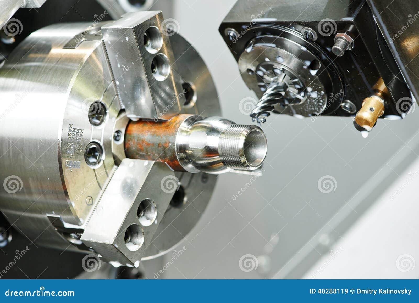 Филируя процесс металла на механическом инструменте