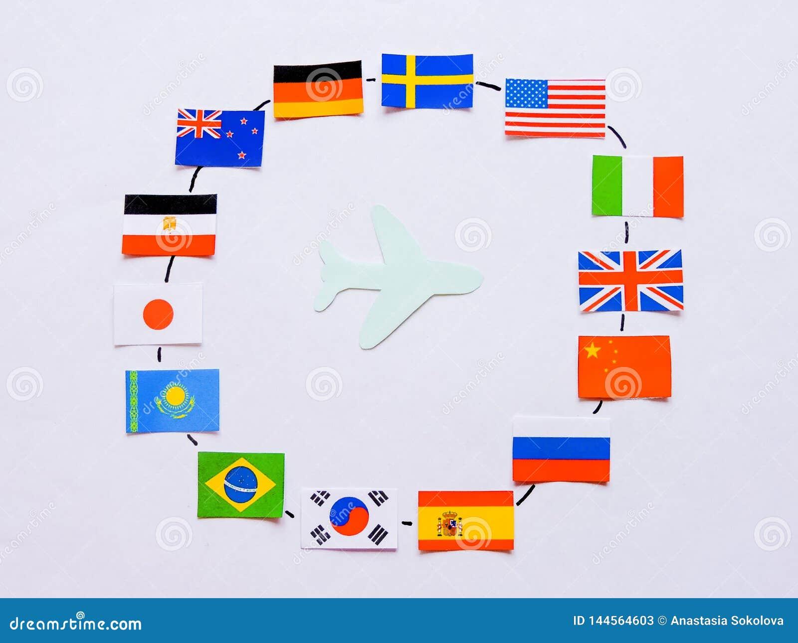 Флаги всех народов мира Группа в составе различные флаги мира на белизне мир во всем мире глобуса dove дня