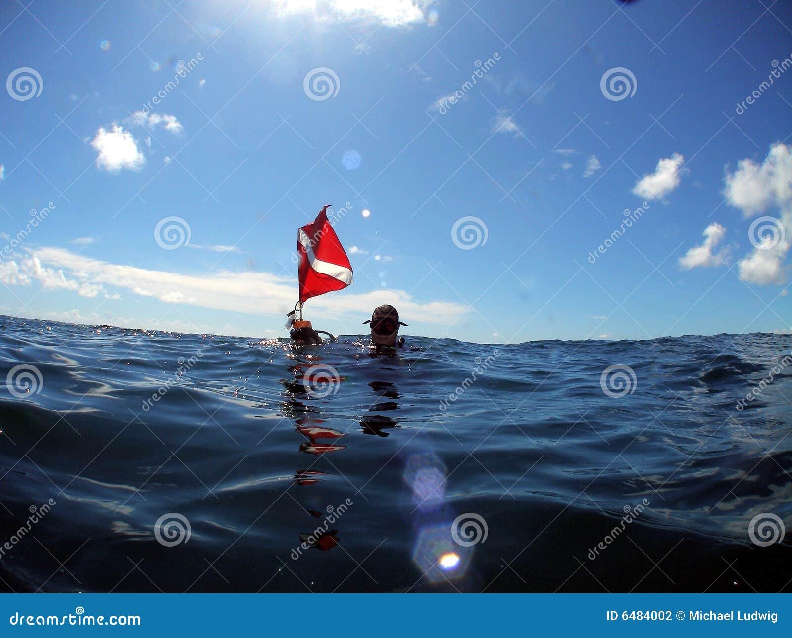 флаг водолаза пикирования