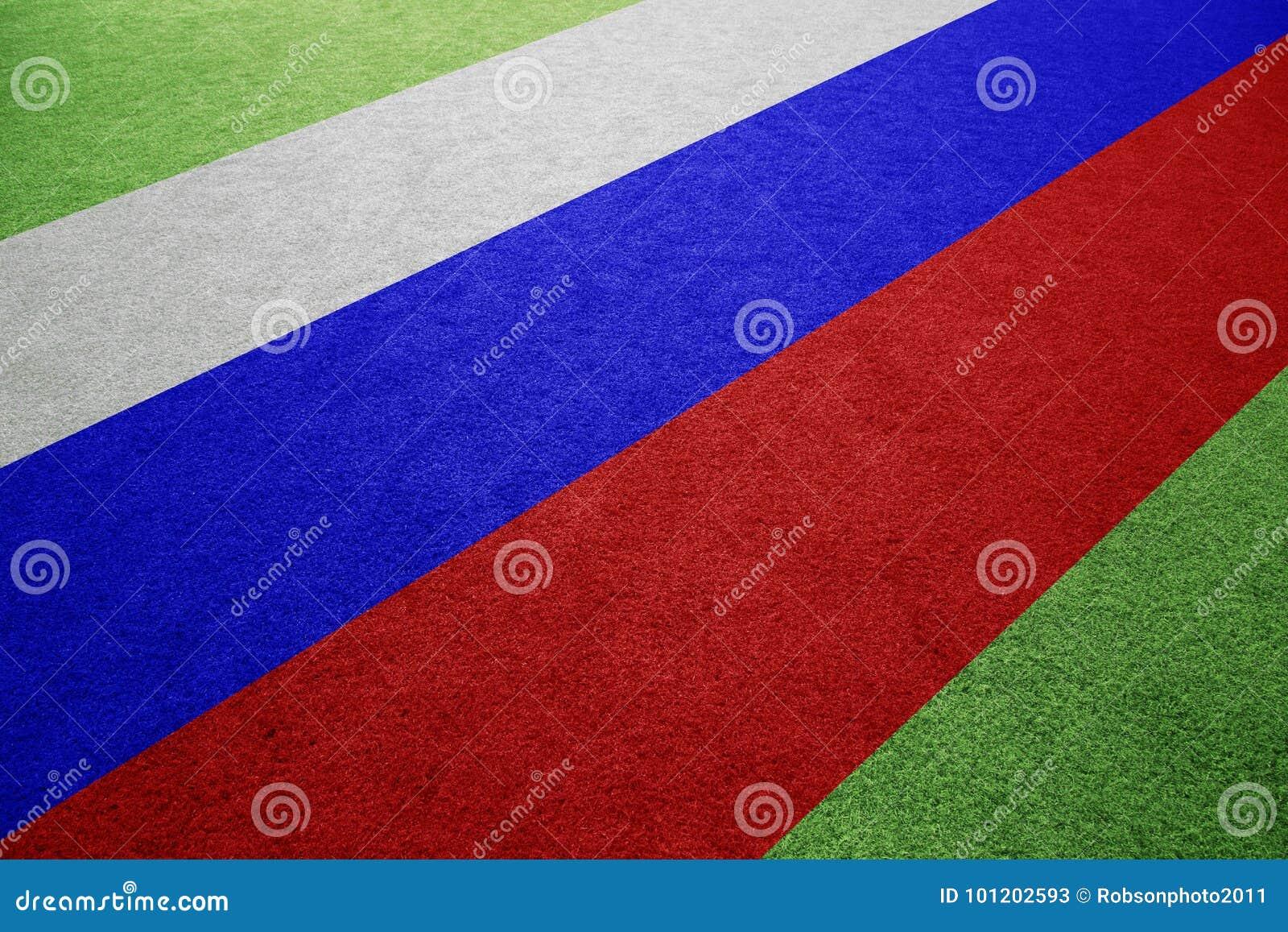 Флаг России на предпосылке футбольного поля