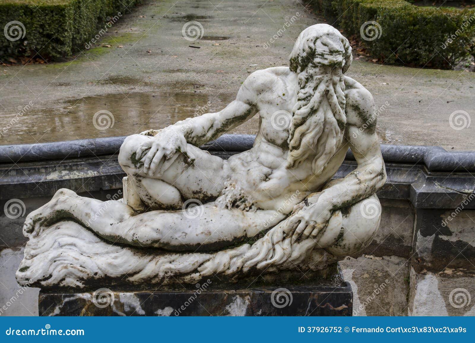 Фонтаны Neptune.Ornamental дворца Аранхуэса, Мадрид,
