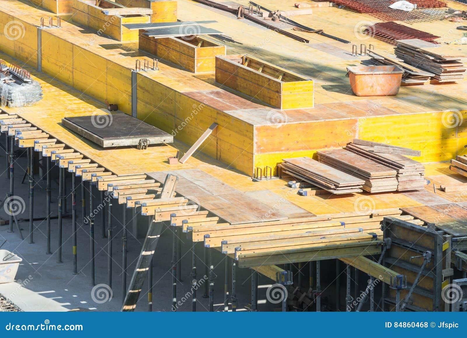 Форма-опалубка для учреждений с бетоном
