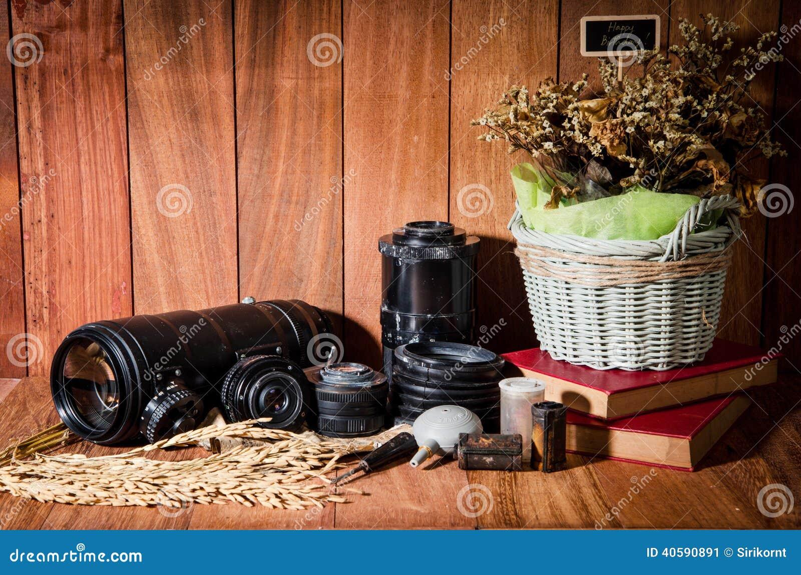 Фотография изящного искусства натюрморта на годе сбора винограда концепции с камерой