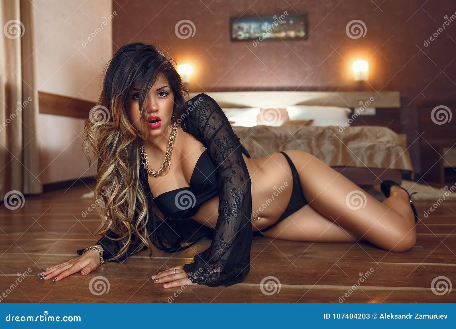 Красивое нижнее белье сексуальных девушек #7