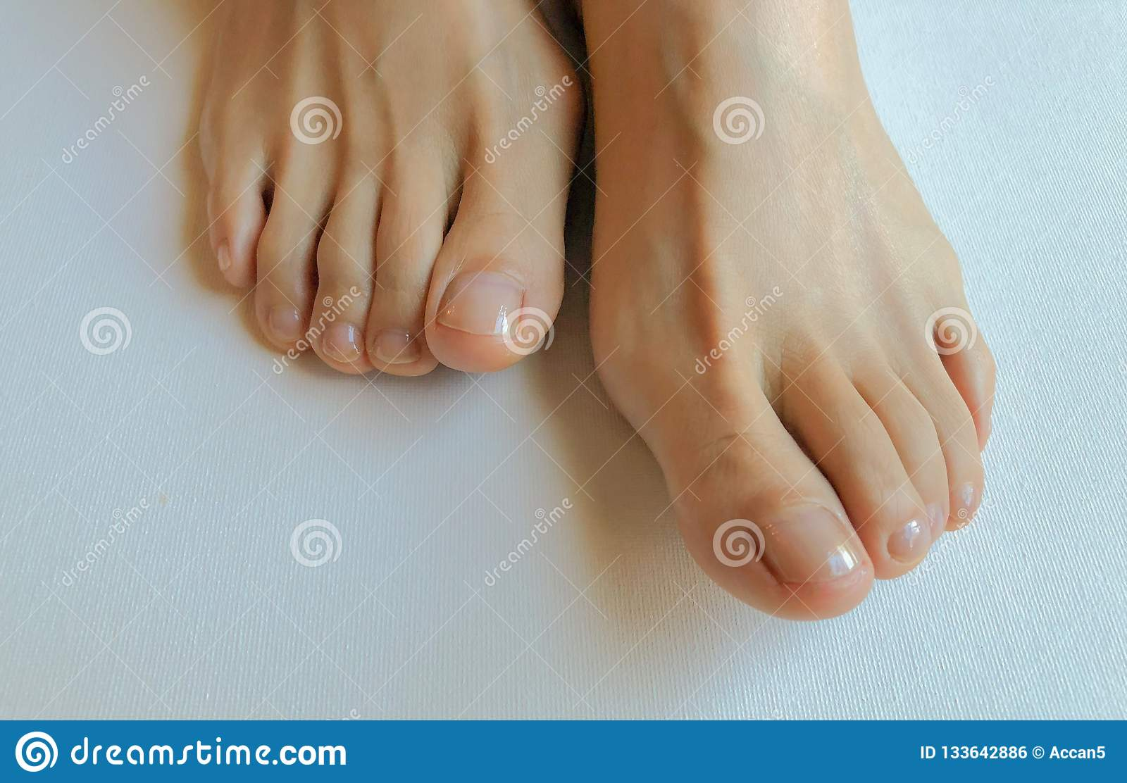вообще лезу фото крупным планом пальцев ног девушек понимали