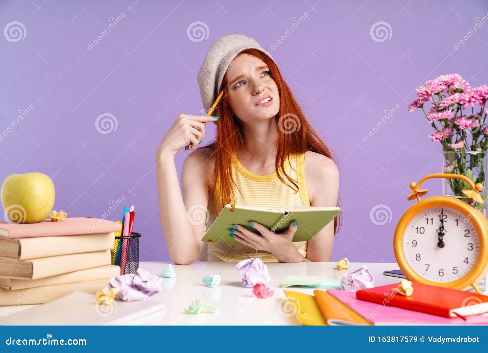 фото девушек во время работы