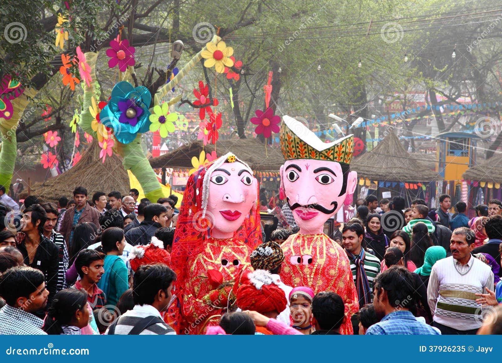 Фольклорные художники Surajkund Fair-2014