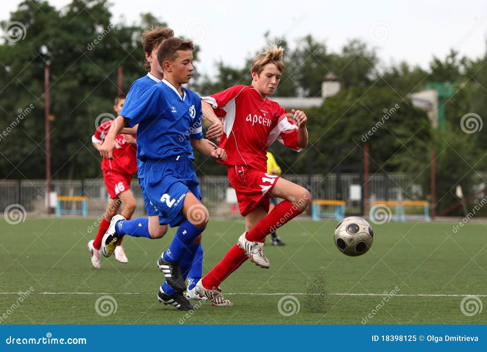 футболисты шарика