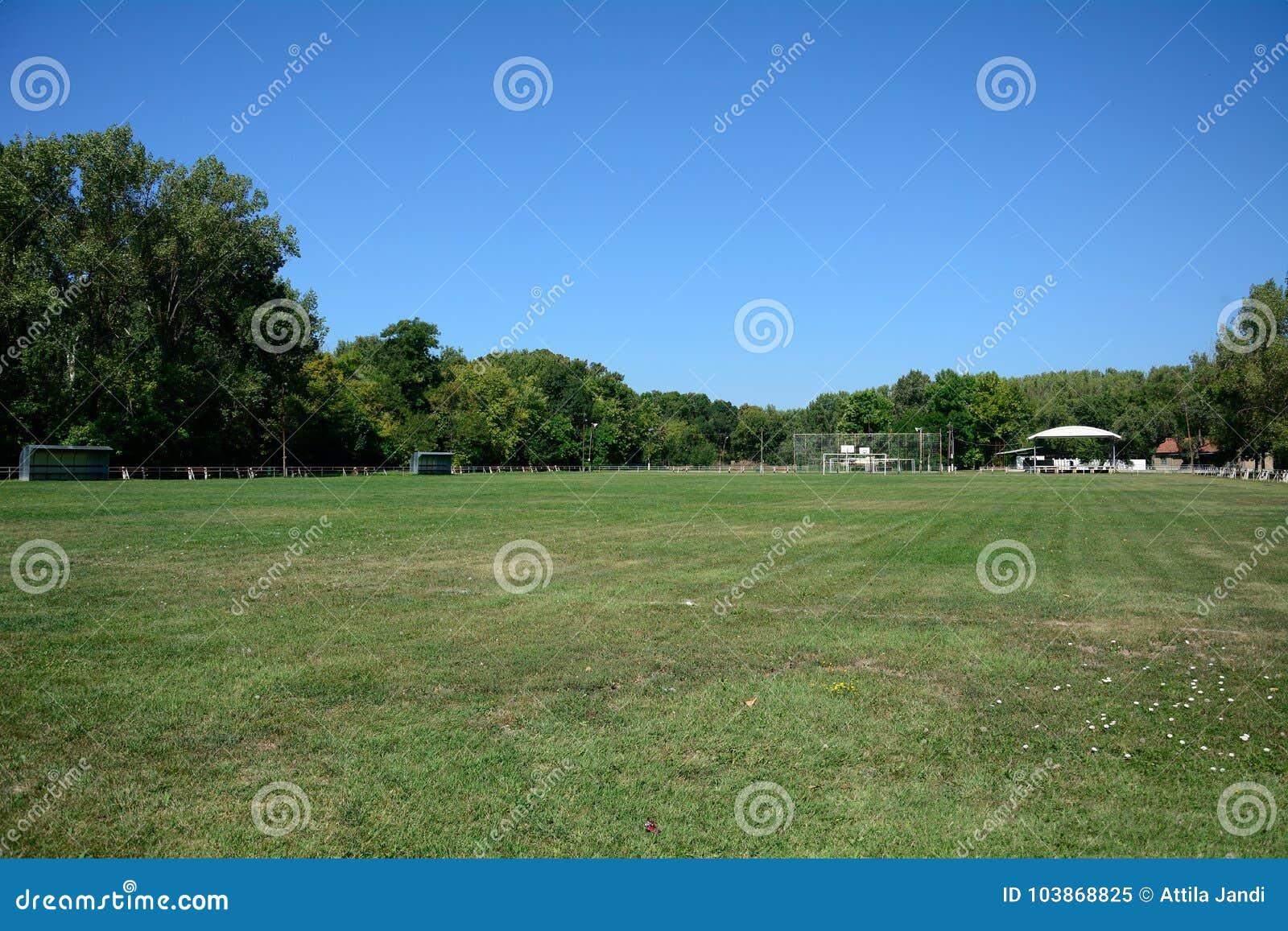 Футбольное поле деревни, Zagyvarekas, Венгрия