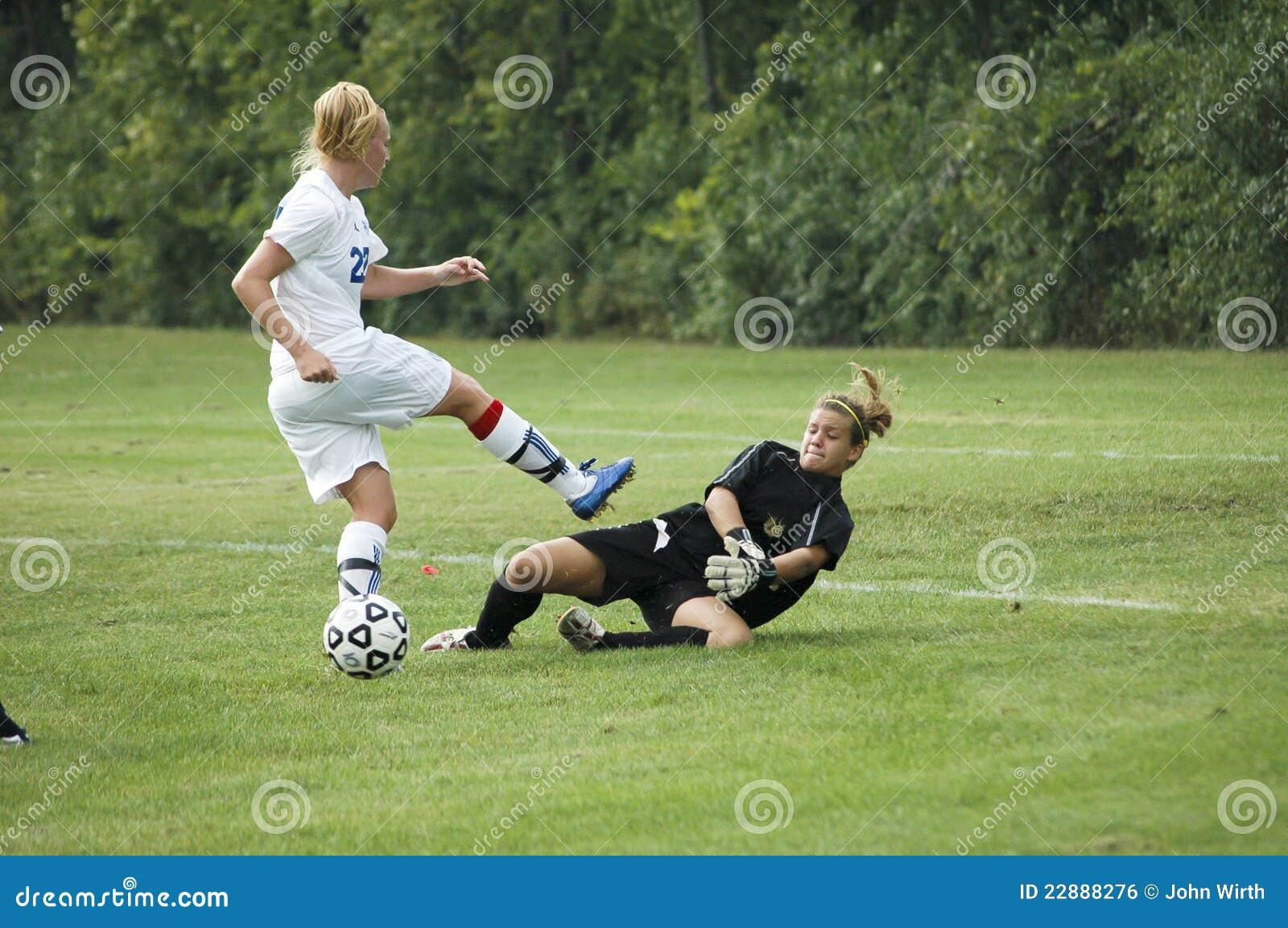 футбол коллежа действия женский младший