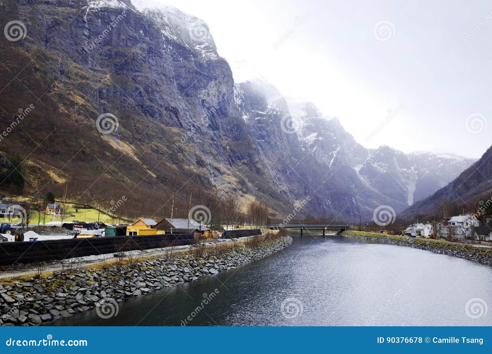 Фьорд Gudvangen, Норвегия