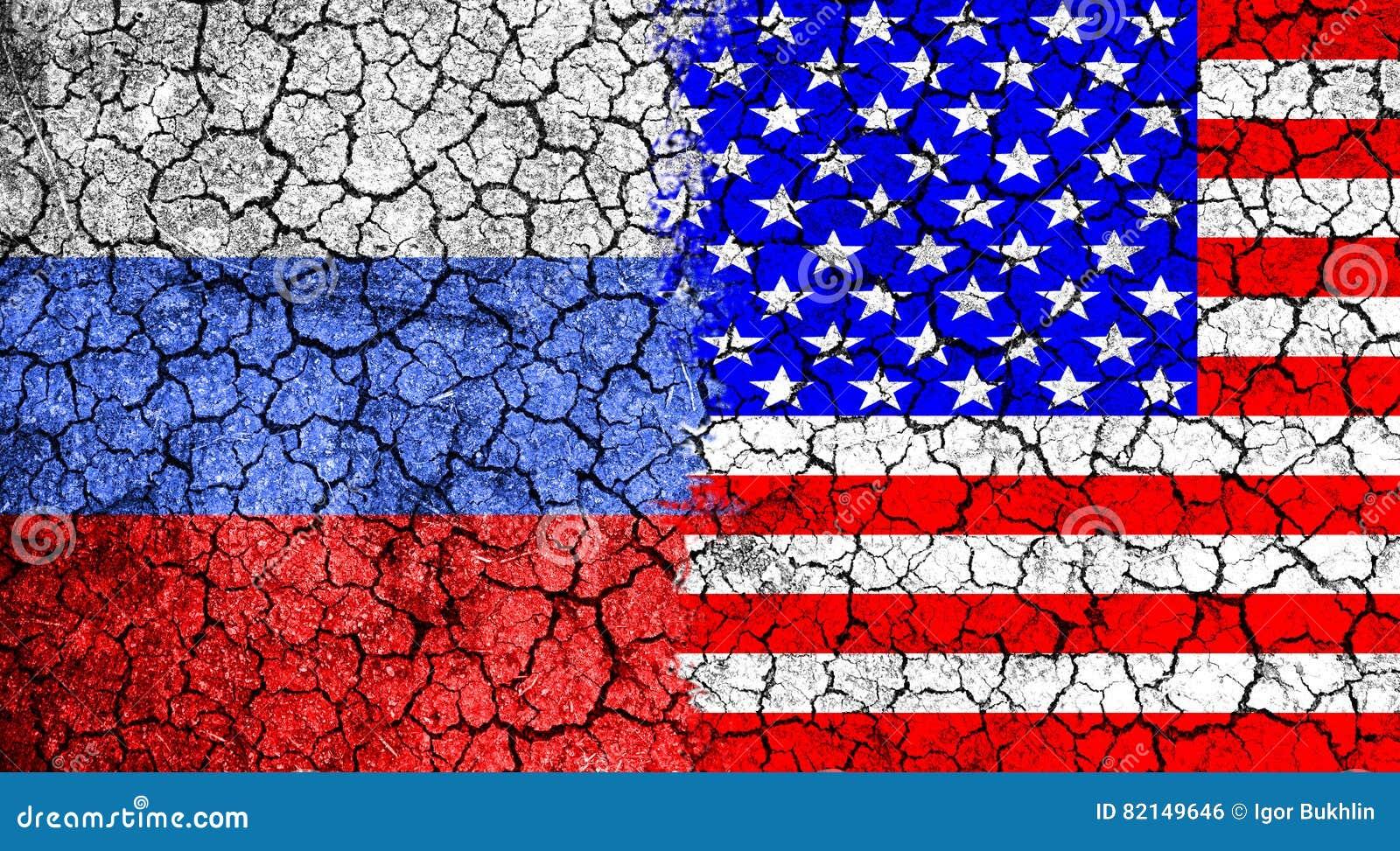 Флаг России и США покрашенных на треснутой стене Концепция войны холодная война Гонка вооружений Ядерная война