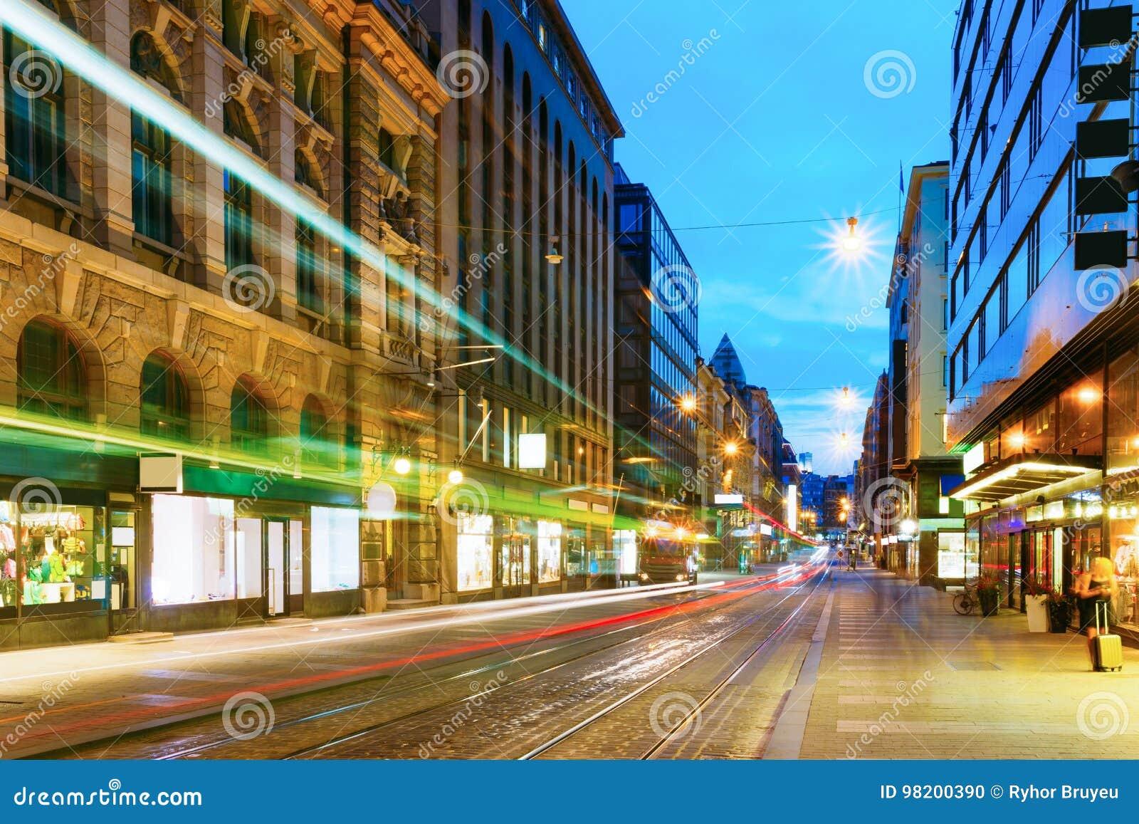 Download Хельсинки, Финляндия Трамвай уходит от стопа на улице Aleksanterinkatu в Хельсинки Редакционное Изображение - изображение насчитывающей центр, дорога: 98200390
