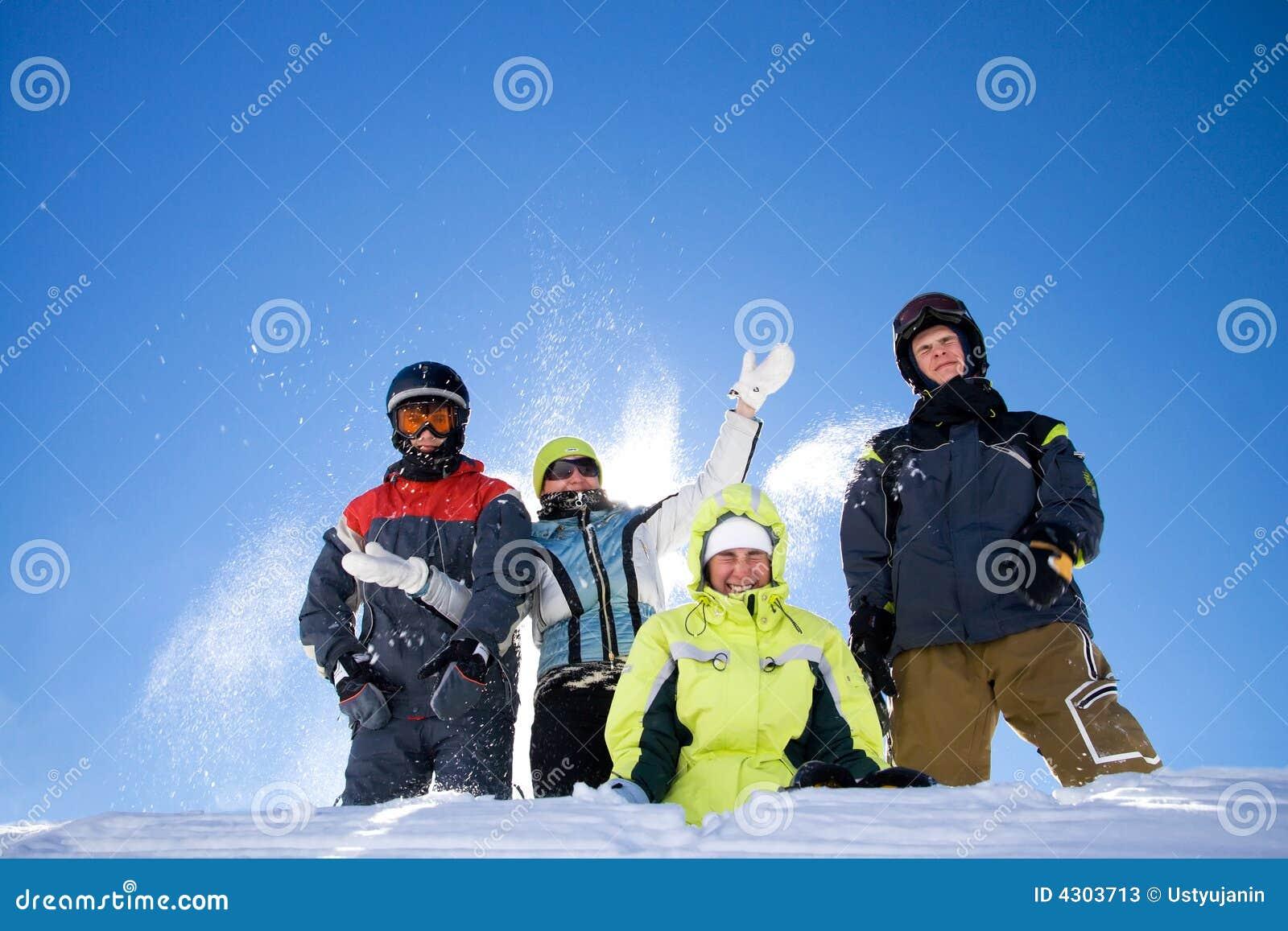 ходы снежка людей группы счастливые