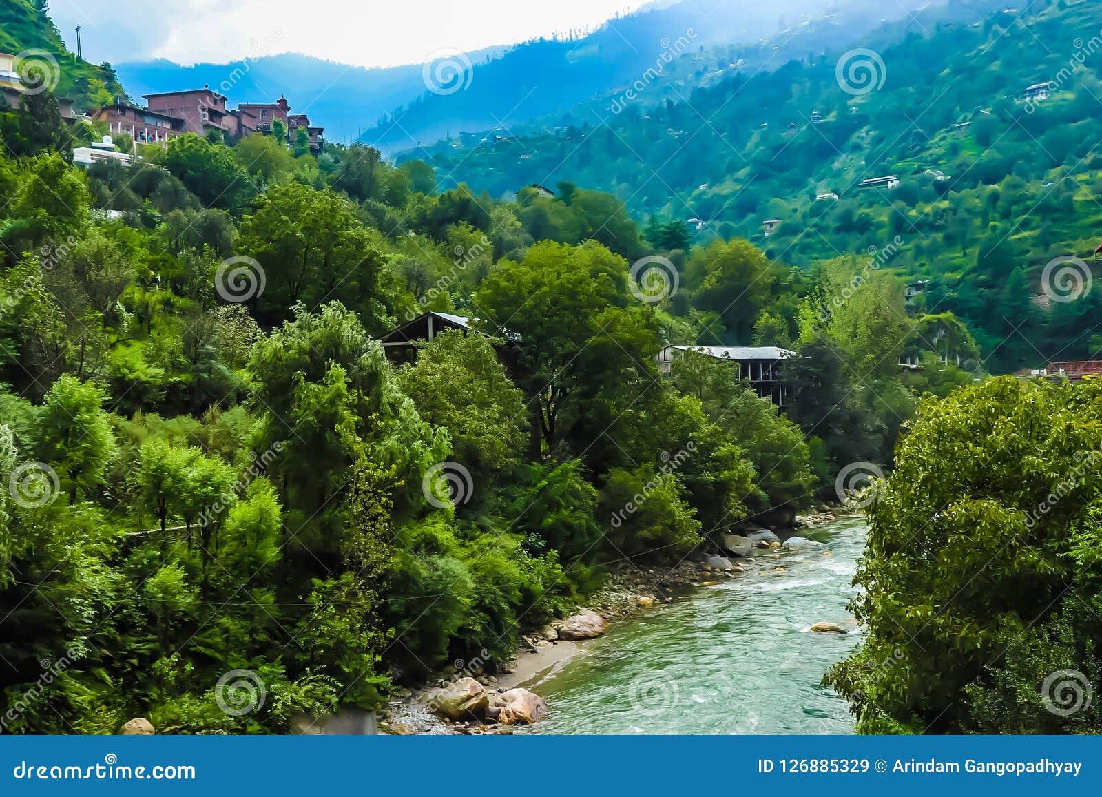 Холмистое река