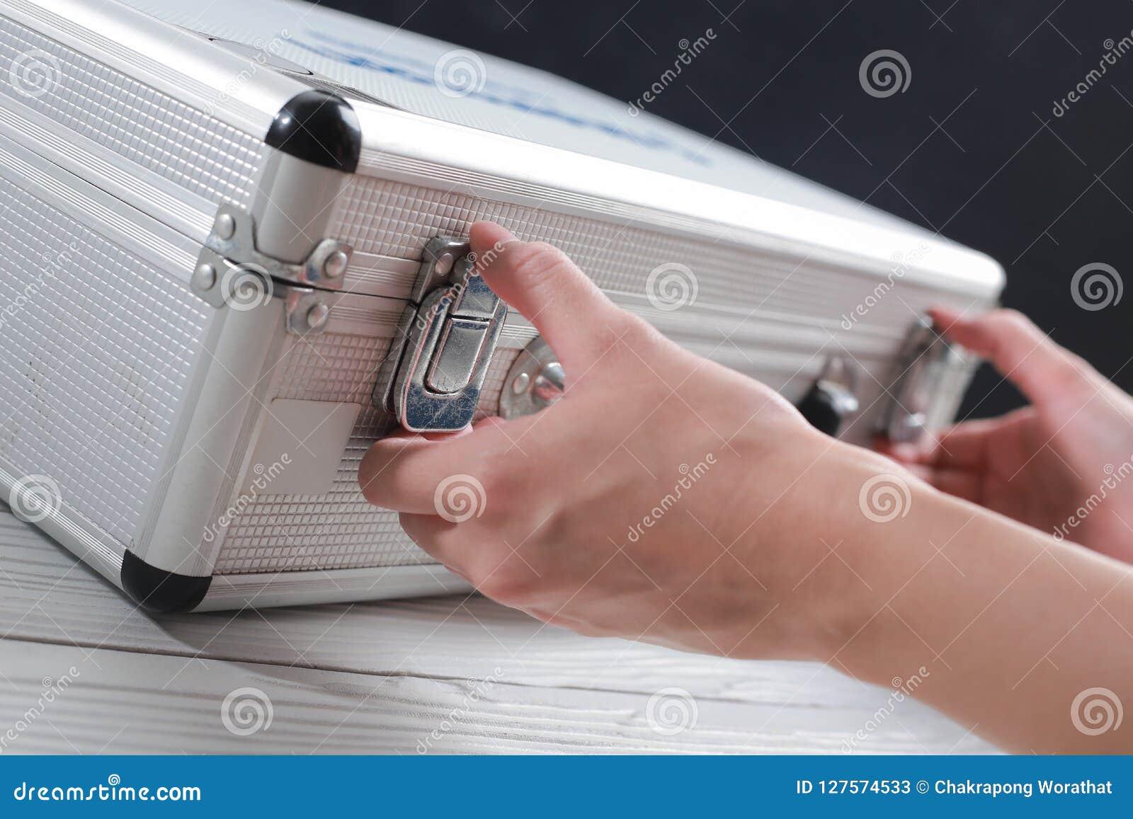 Хранение и документы багажа дела рук открытые