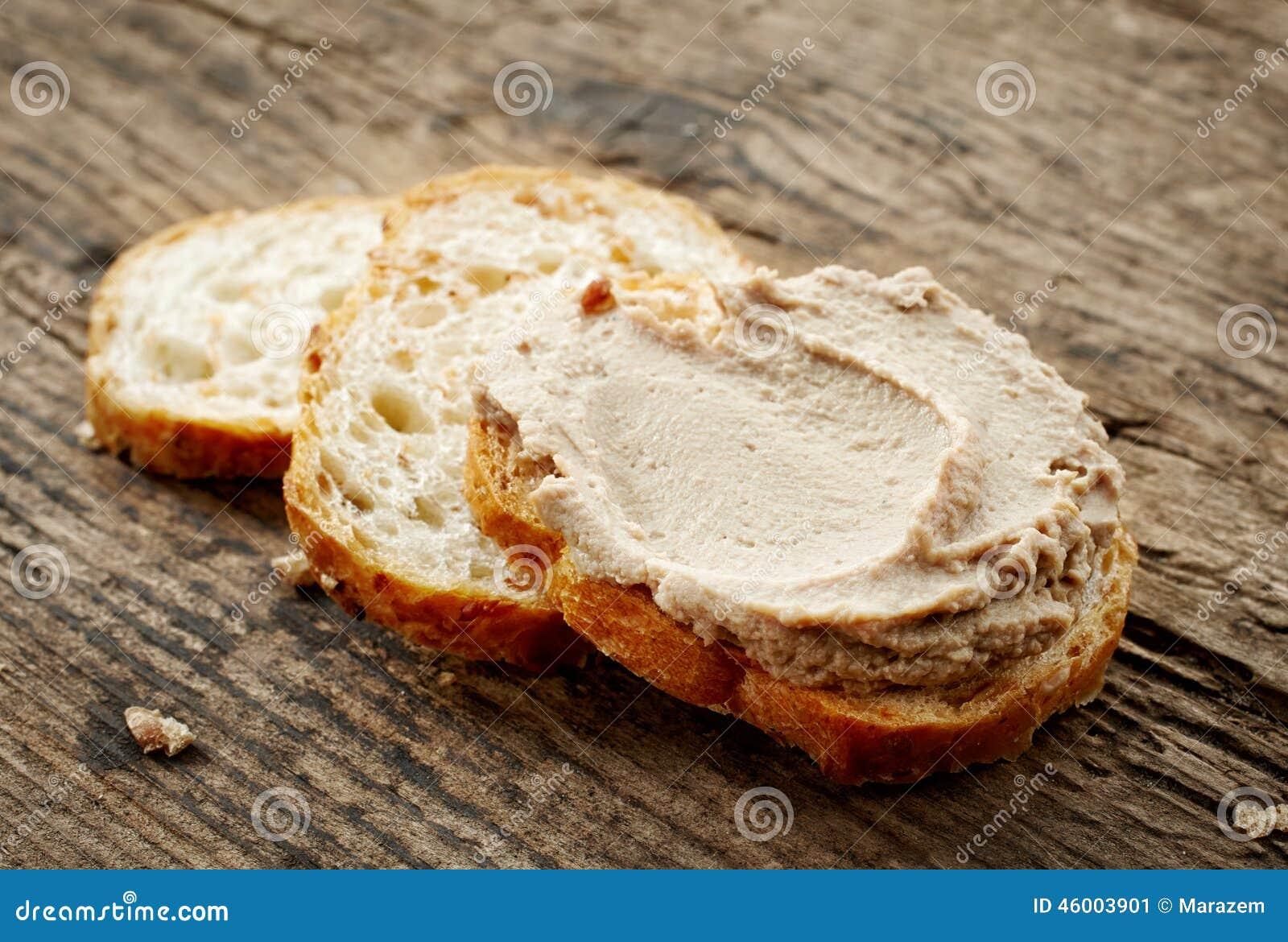 Хлеб с pate печенки