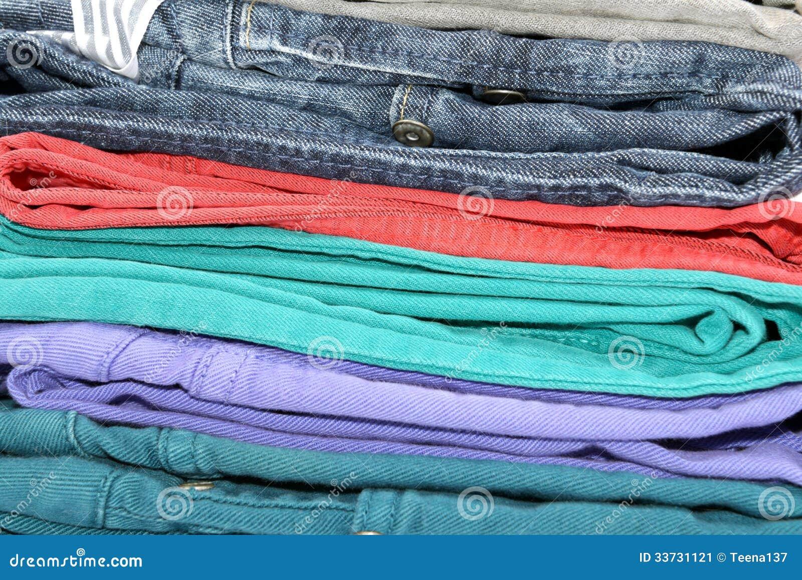 Красочные джинсы