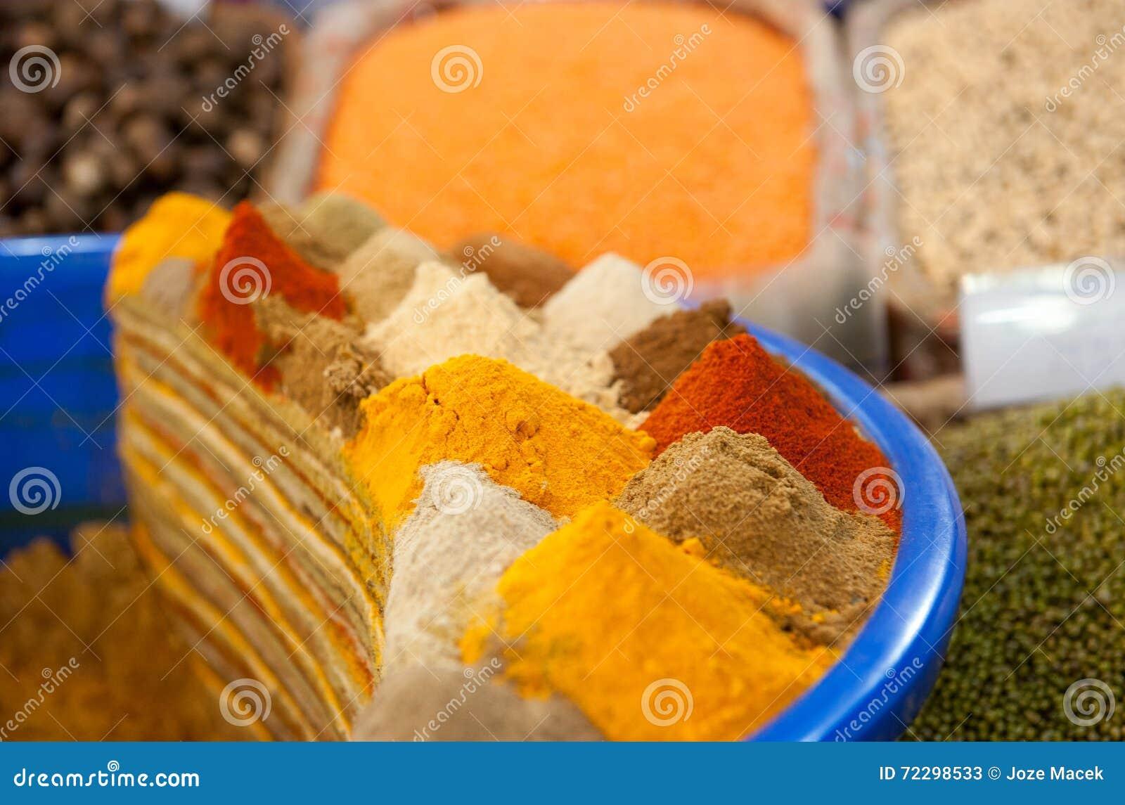 Download цветастые специи стоковое изображение. изображение насчитывающей doha - 72298533
