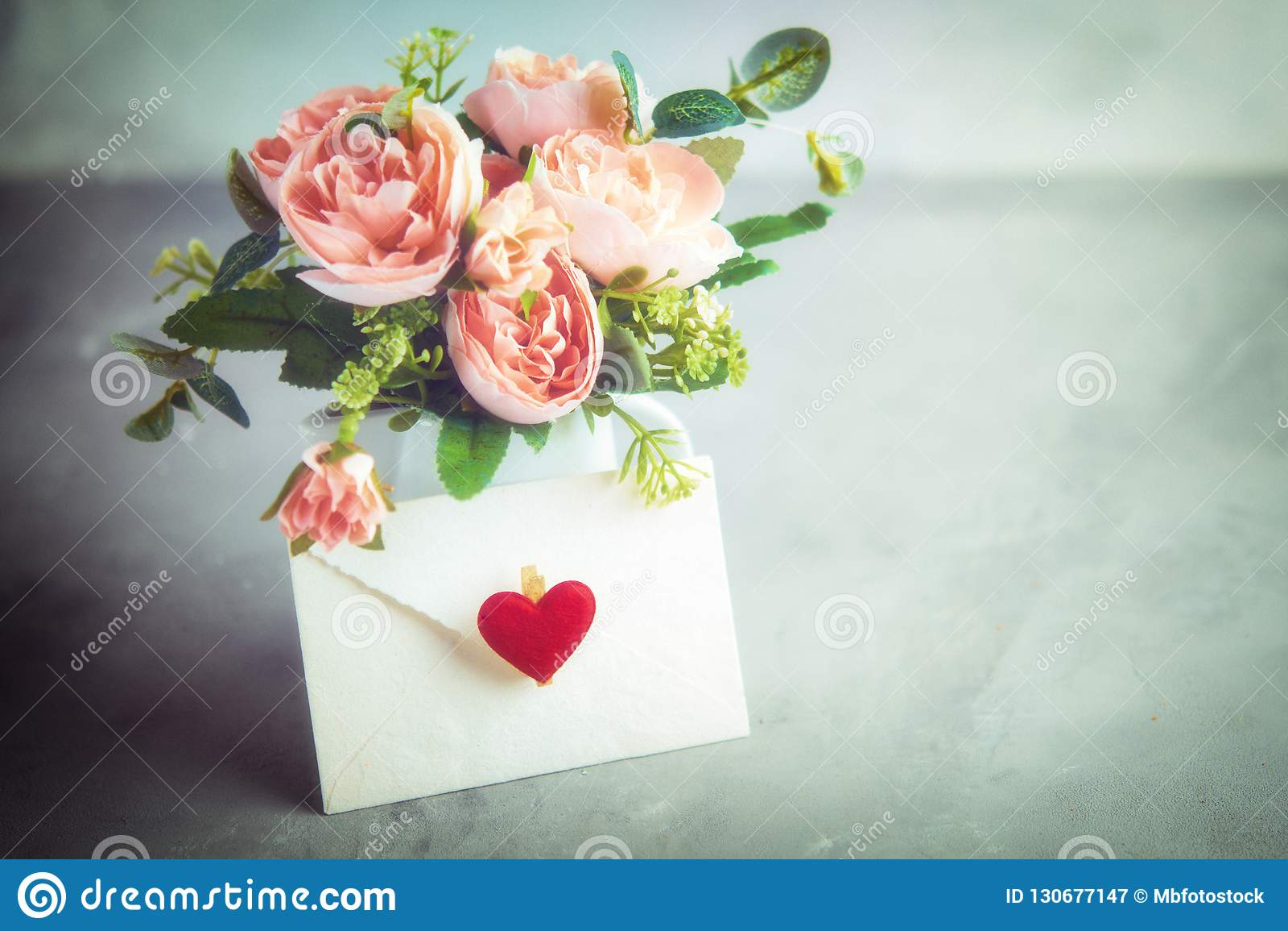 Цветет состав на ` s валентинки, ` s матери или ` s женщин день Натюрморт Романтичное мягкое нежное художественное изображение, о