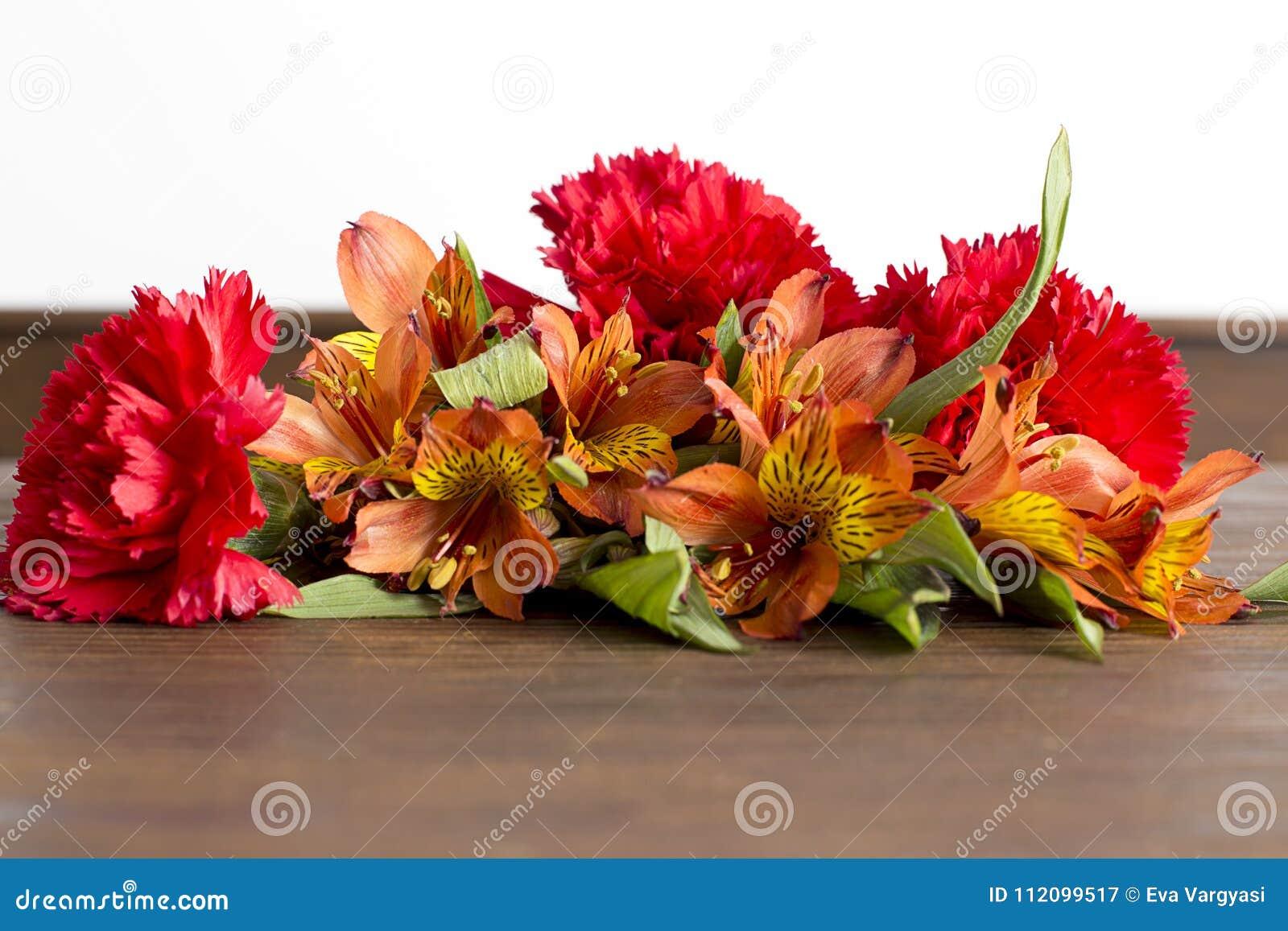 Цветок дня матери