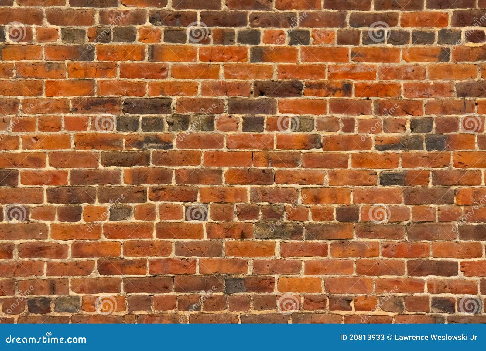цвет кирпича дробит старую красную стену на участки текстуры