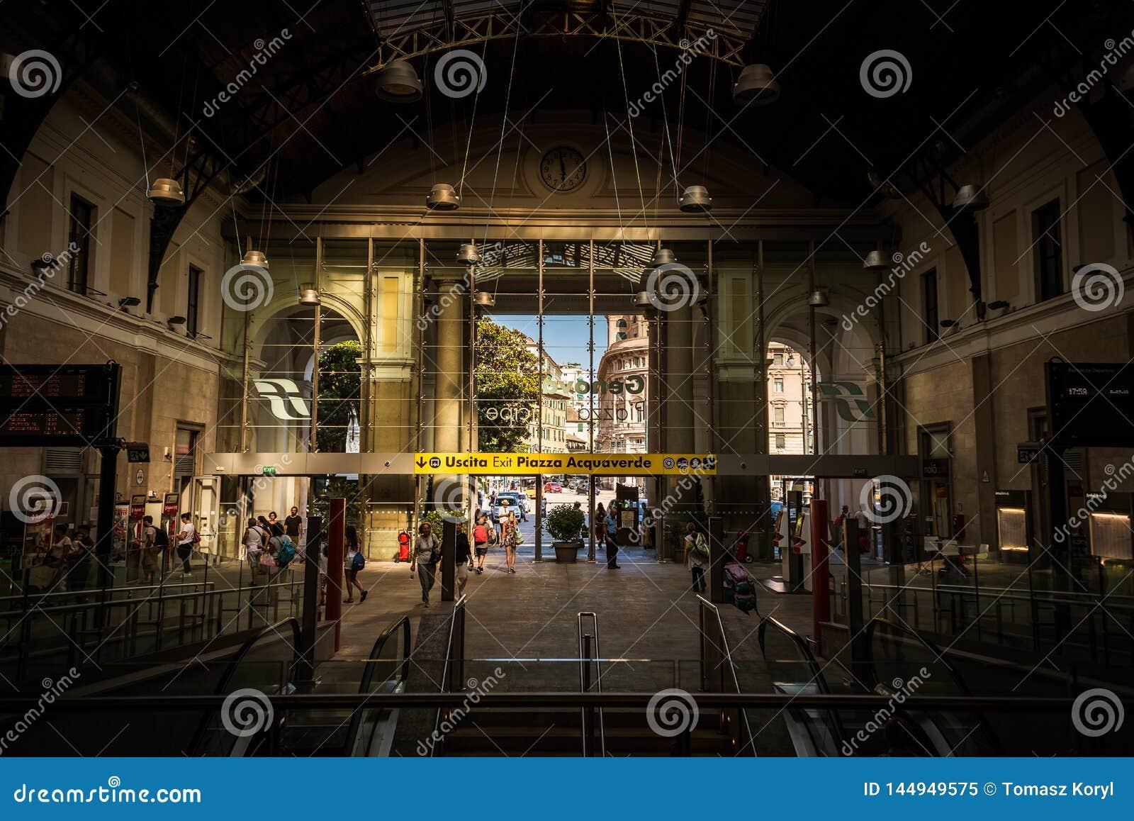Центральный вокзал в di Genova Генуи Stazione на аркаде Принчипе Италии, Европ