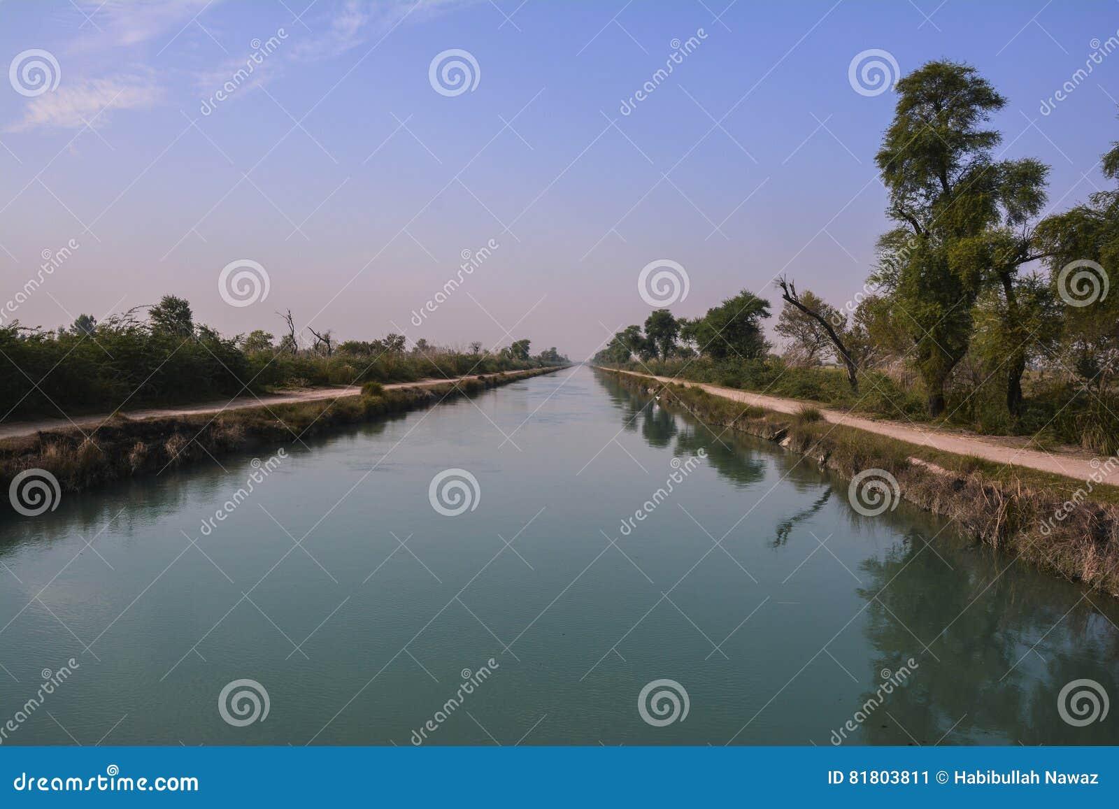 Центральный взгляд †«северного Пенджаба Пакистана канала ветви Mohajir