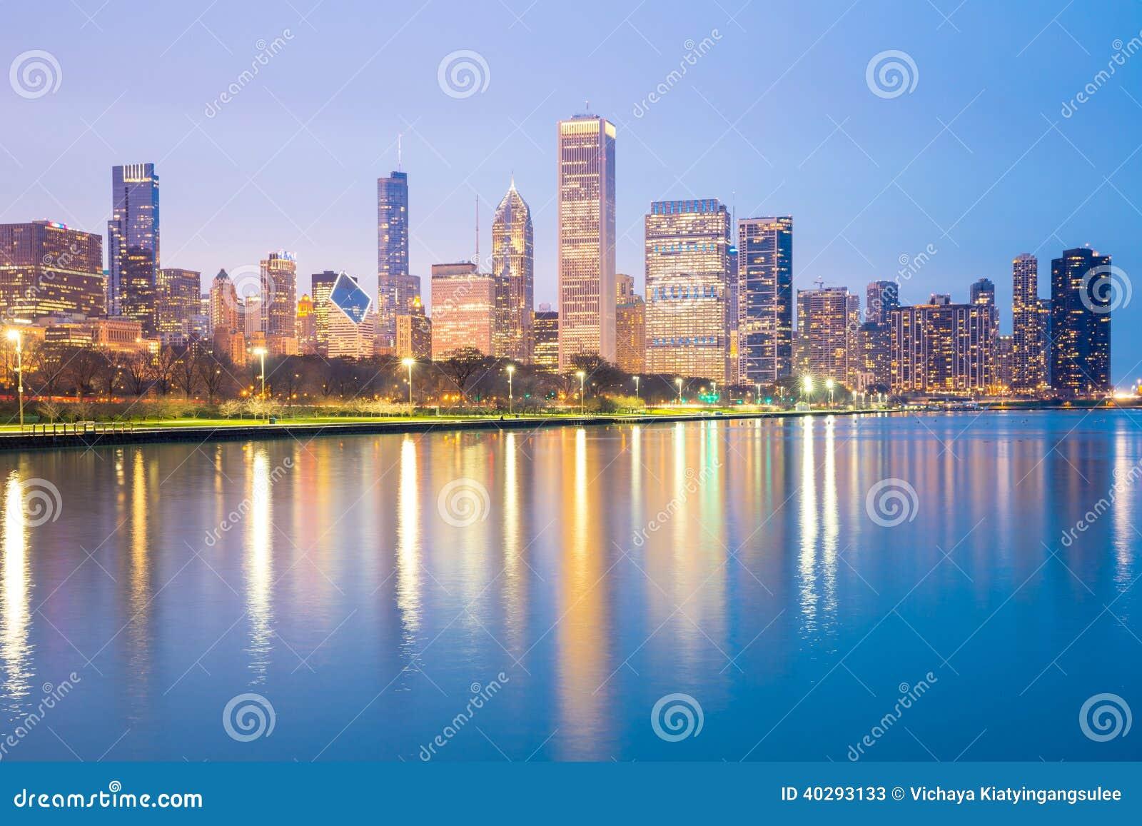 Центр города и Lake Michigan Чикаго