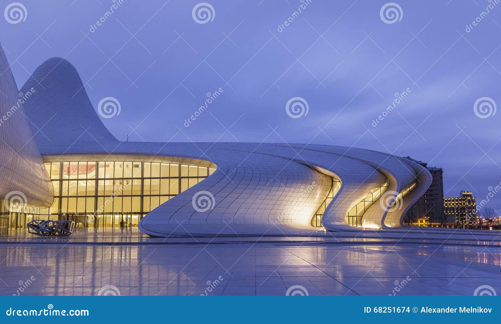 Центр Heydar Aliyev в Баку пустословия