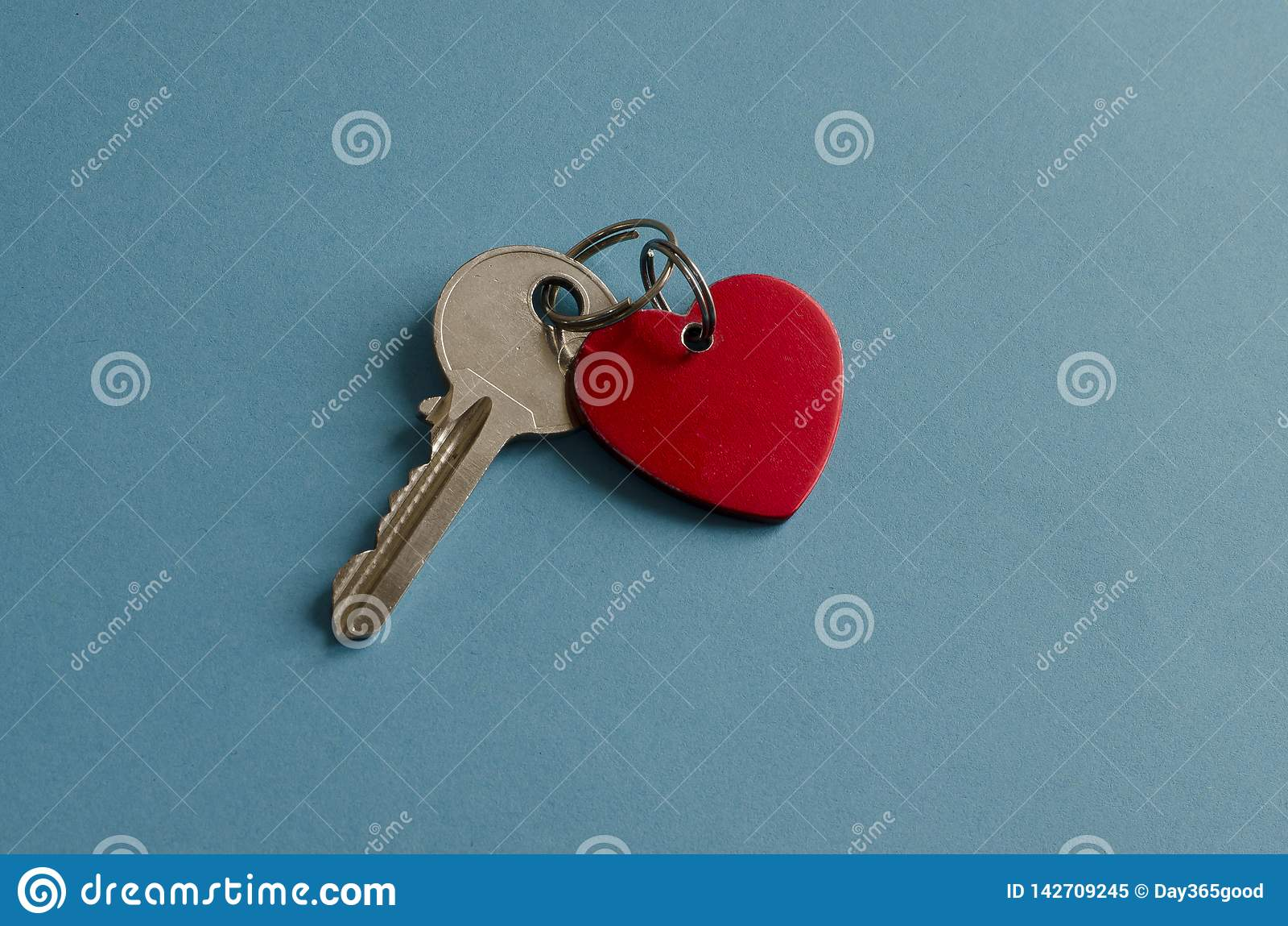 Цепь красного сердца ключевая ключ background card congratulation invitation