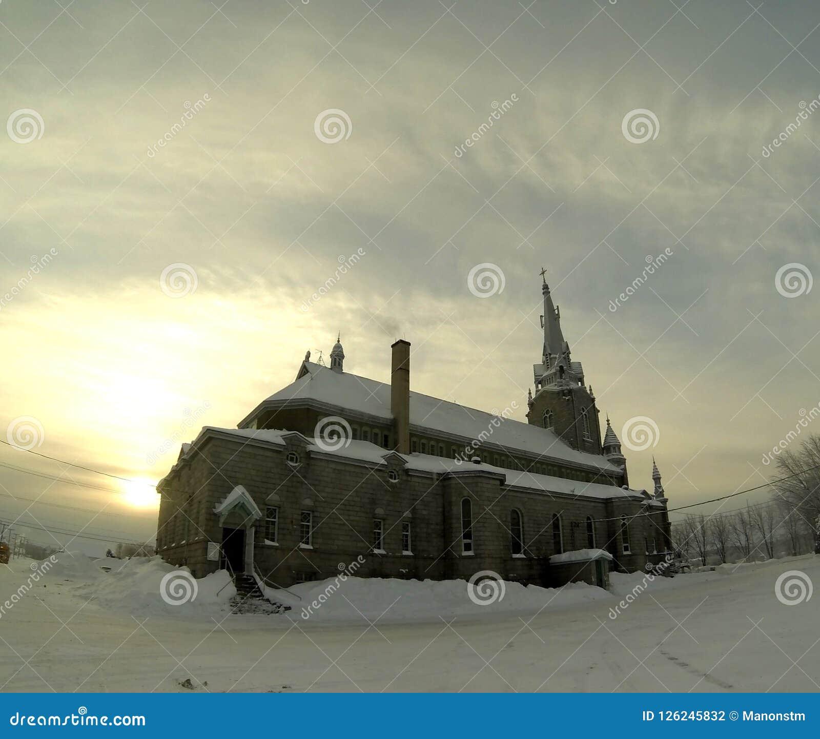 Церковь в зиме
