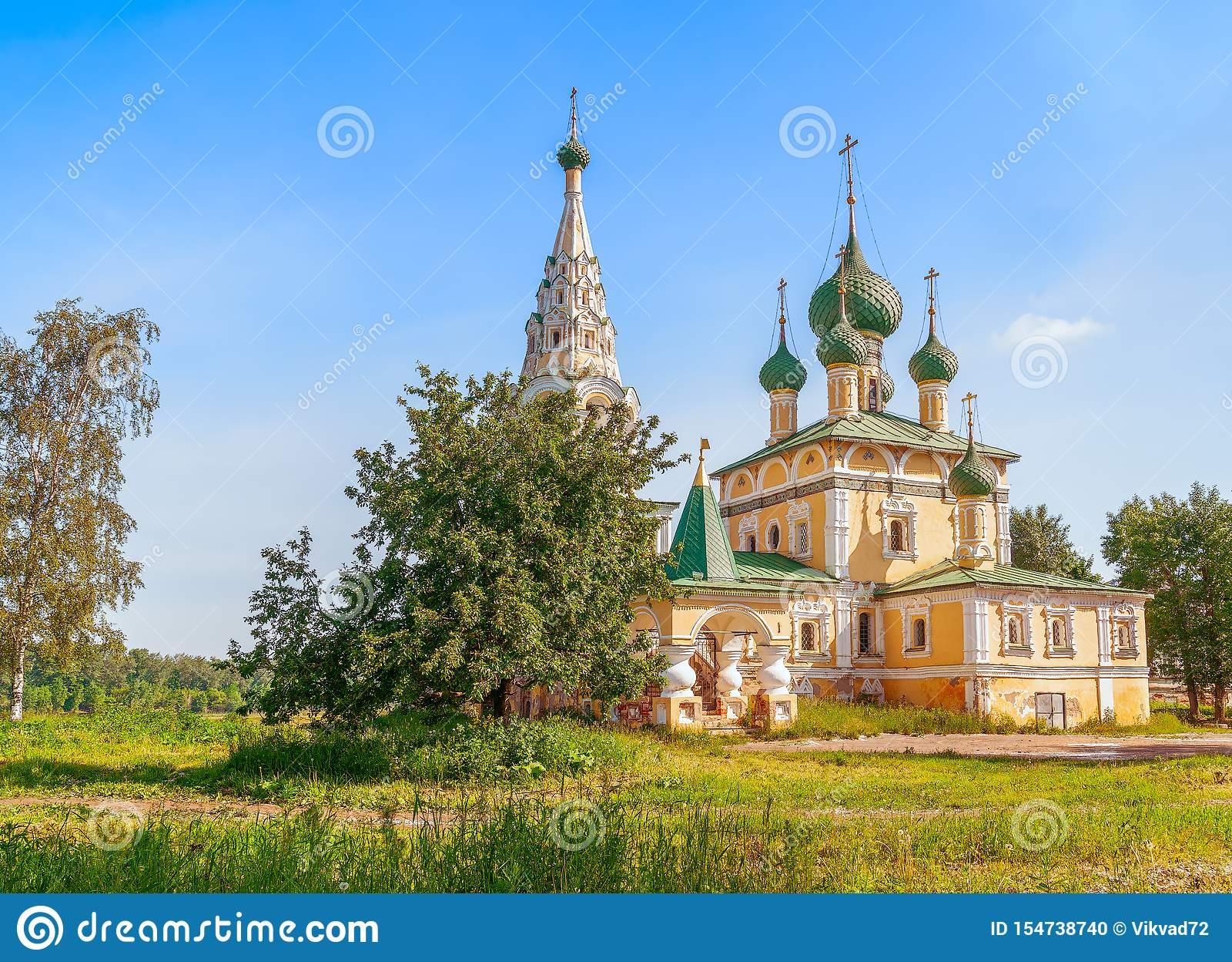 Церковь рождества St. John баптист в Uglich Yaroslavl OblastRussia