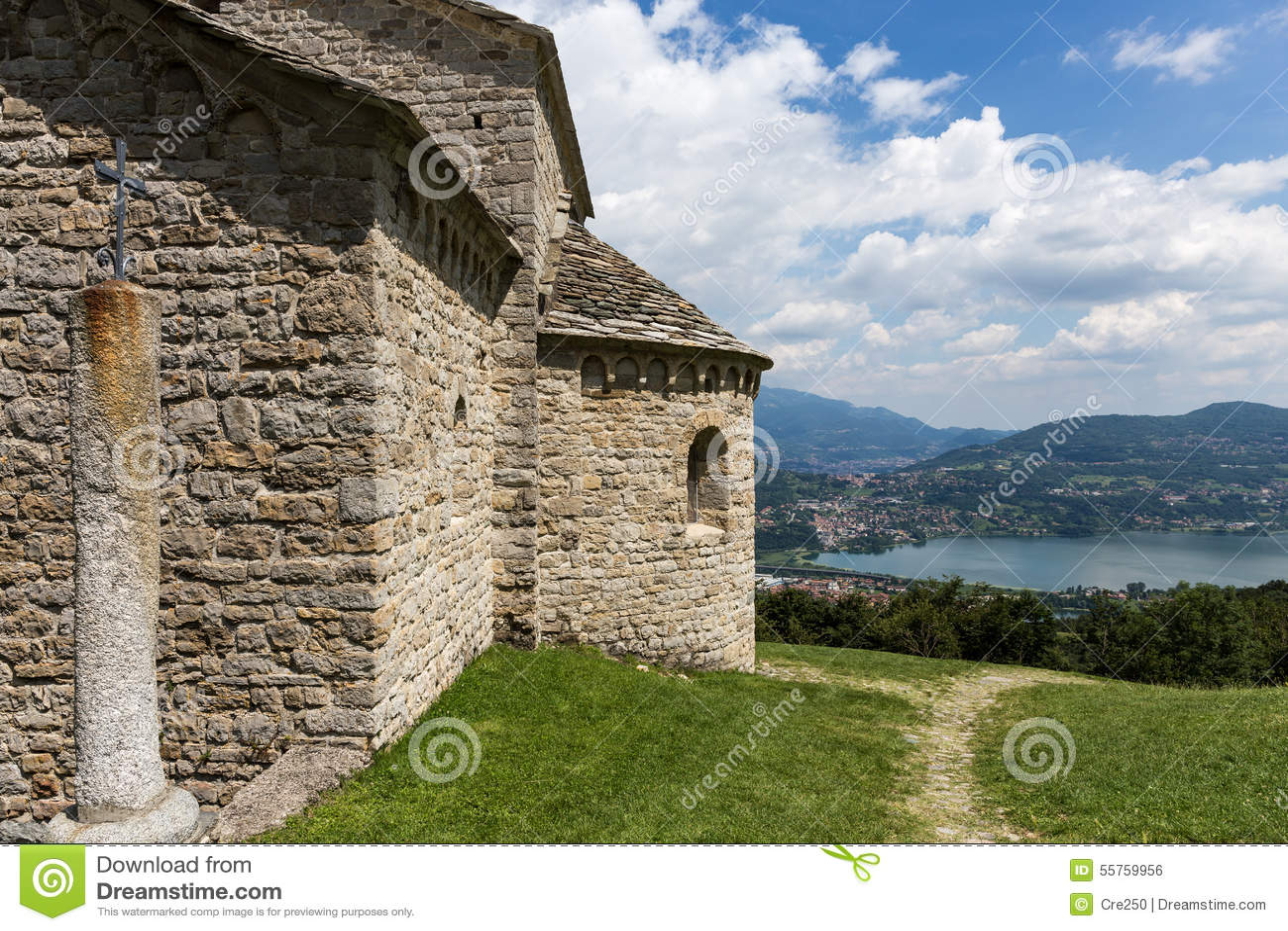 Церковь St Pierre в Civate Lecco Италии