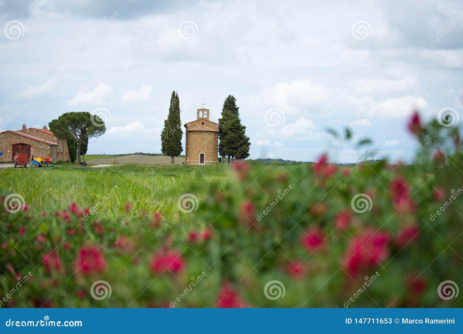 """Церковь Vitaleta r o Val d """"Orcia, Сиена, Тоскана, Италия - май 2019"""