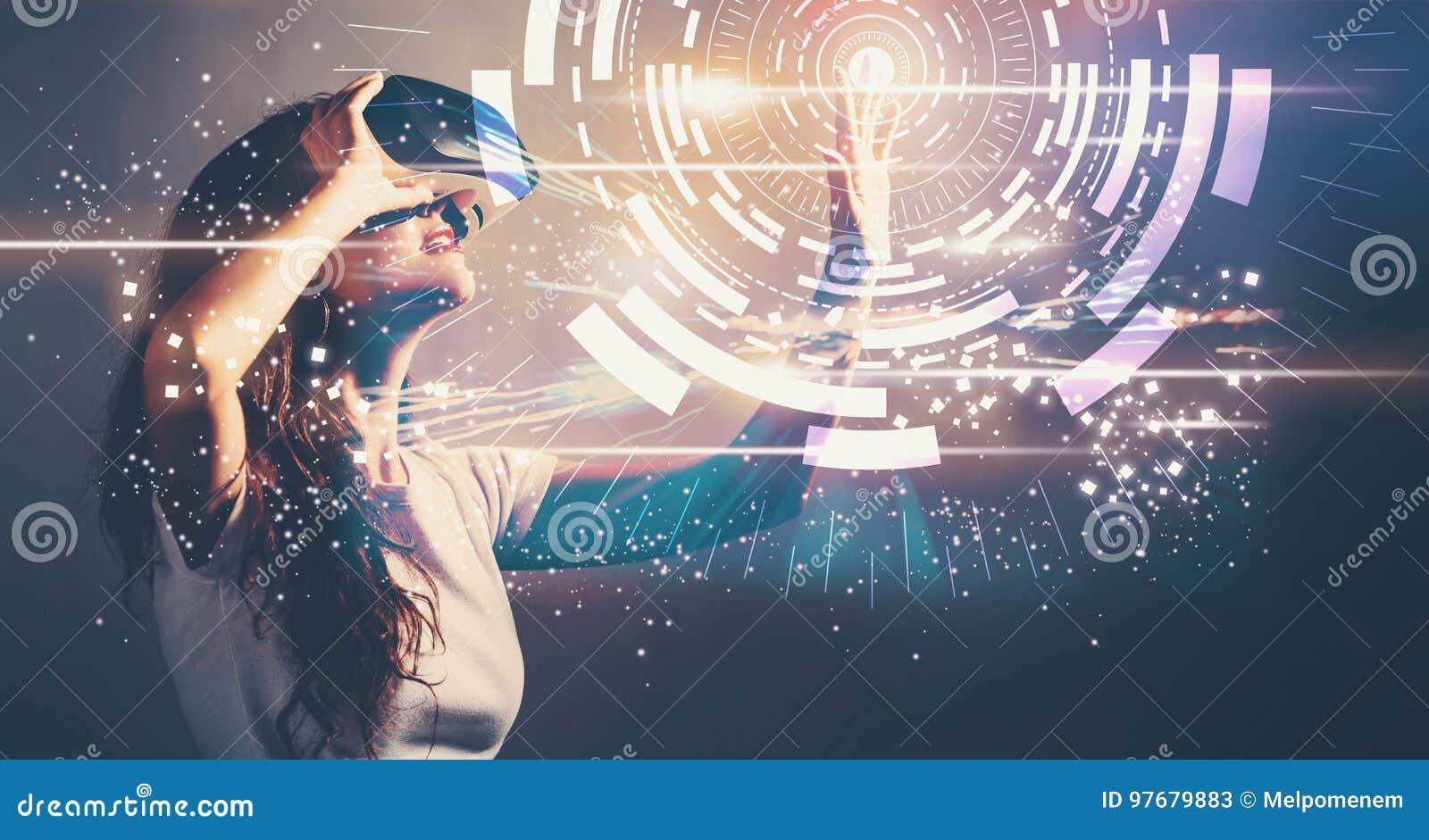 Цель цифров с молодой женщиной с VR
