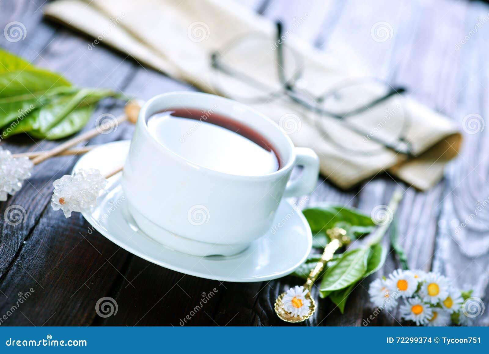 Download Чай в чашке стоковое фото. изображение насчитывающей dishware - 72299374