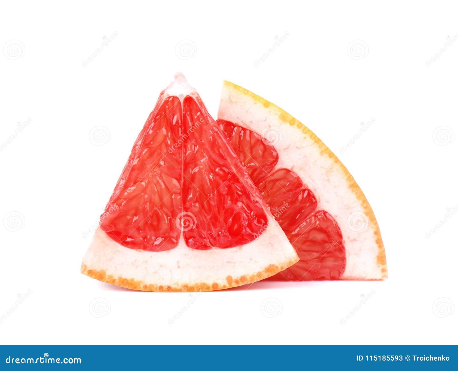 Часть грейпфрута изолированная на белой предпосылке Свежие фрукты С путем клиппирования Свежий грейпфрут с зелеными листьями