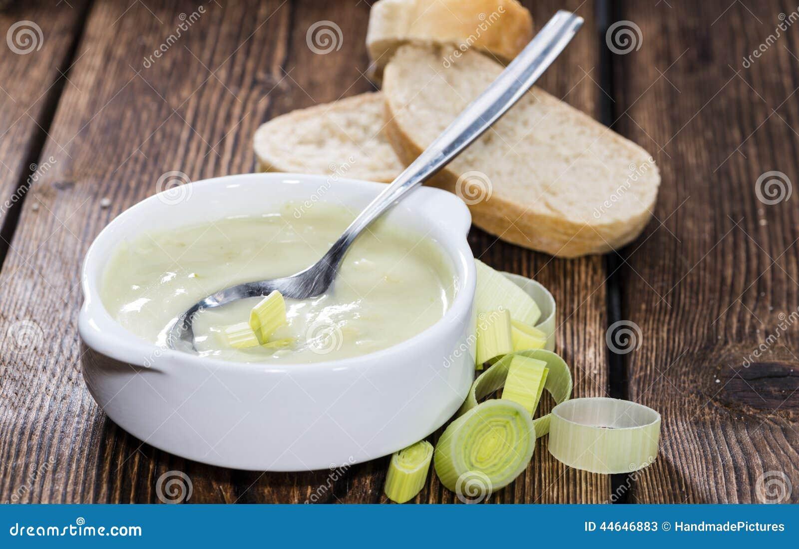 Часть супа лук-порея