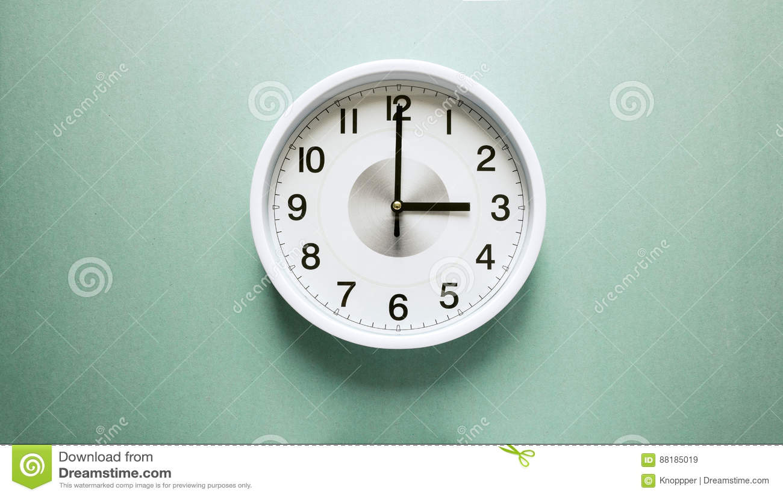 Часы ` 3 o