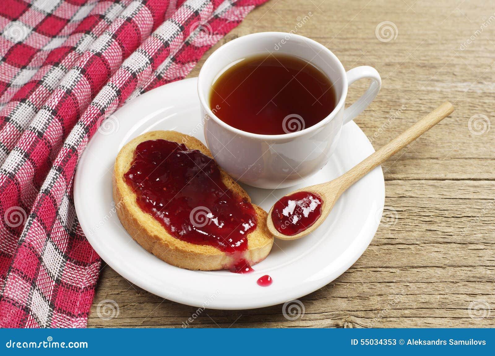 чай с джемом