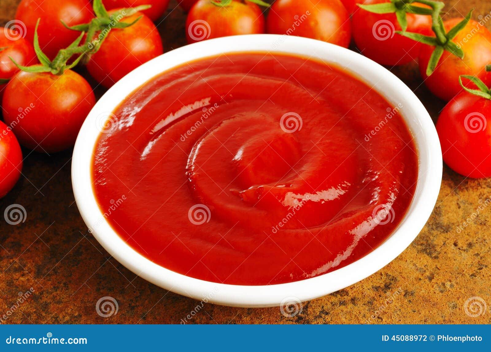 Чашка соуса кетчуп