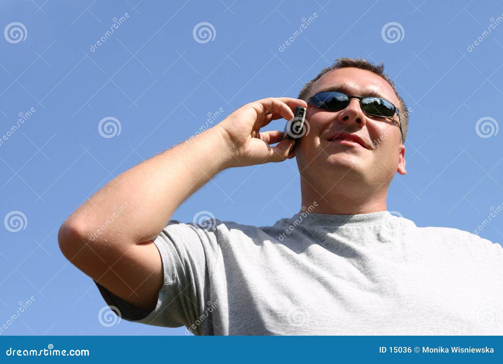 человек мобильного телефона