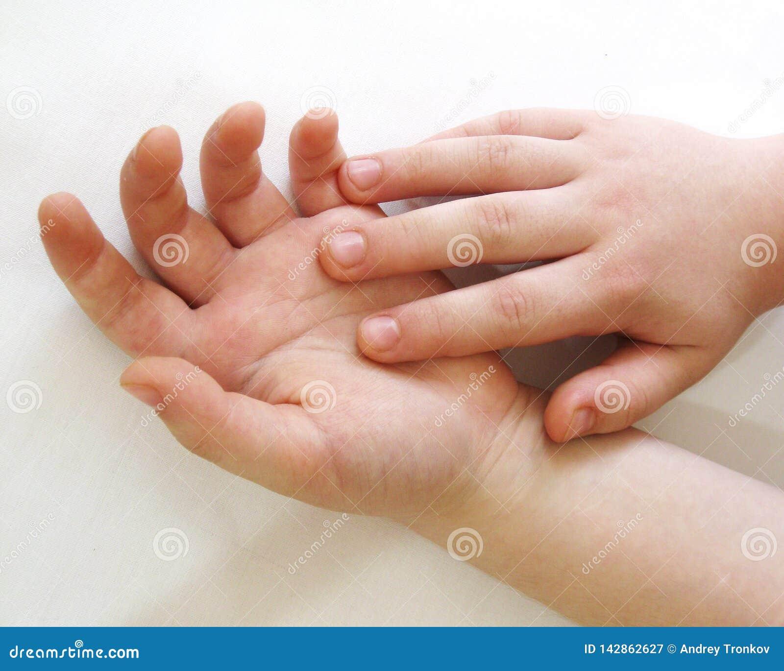 Человеческие руки одна из самых выразительных частей тела