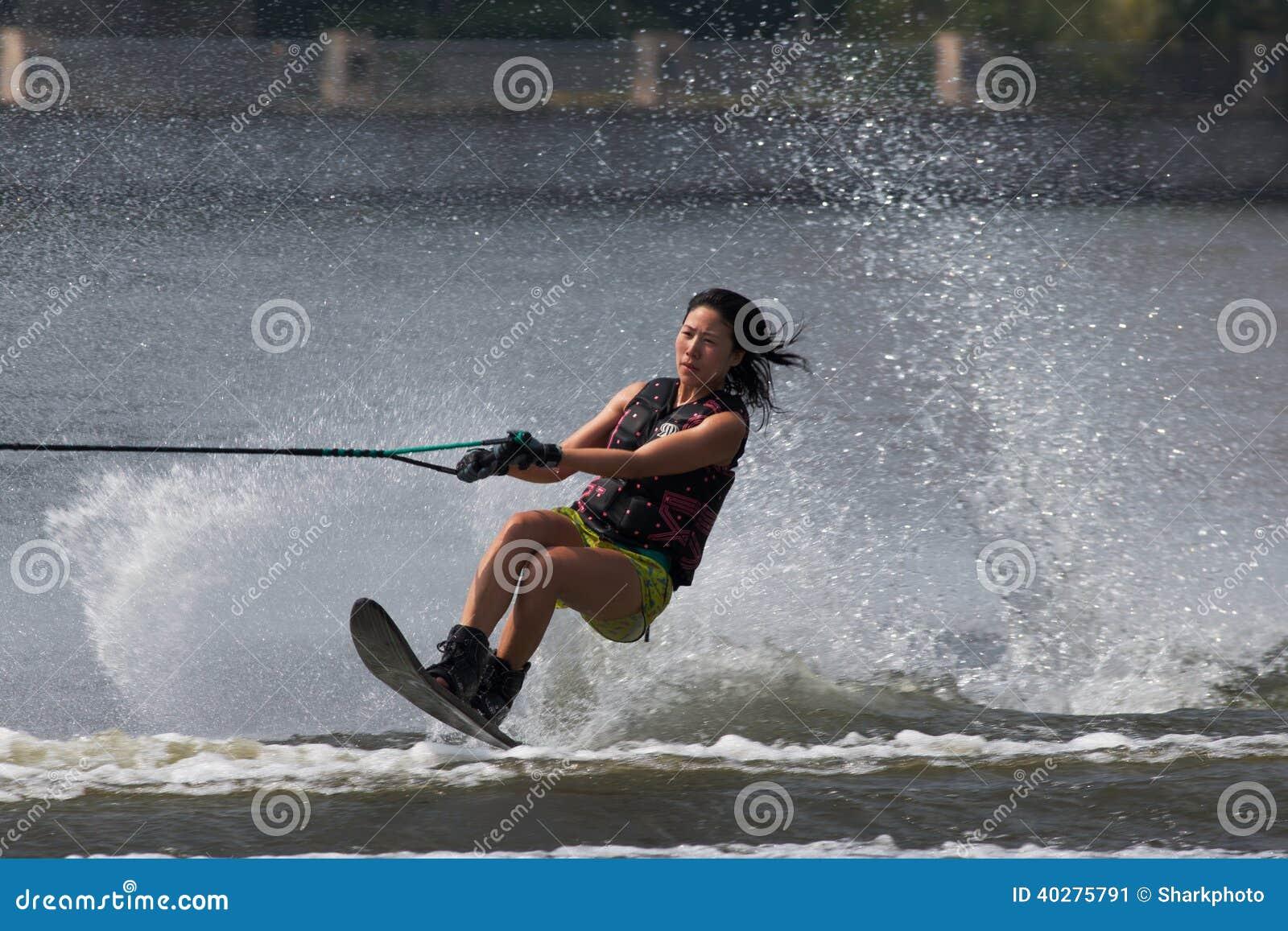 Чемпионаты 2014 лыжи & бодрствования Путраджайя Nautique
