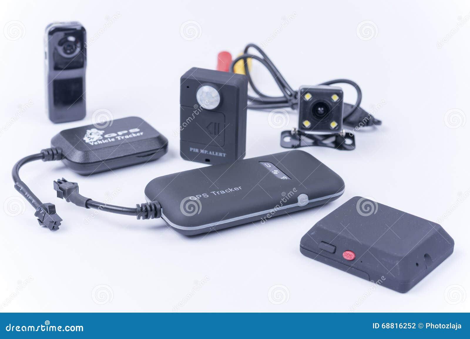 Черепашки шпионки и спрятанная камера изолированные над белизной